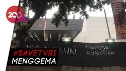 Helmy Yahya Dicopot, Spanduk #SaveTVRI Sempat Membentangi Gedung TVRI