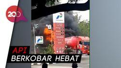 Truk Tangki BBM Terbakar di Banjar