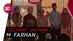 Menlu Retno Serah-Terimakan WNI Sandera Abu Sayyaf ke Keluarga