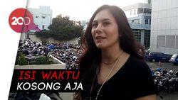Cerita Wulan Guritno yang Ketagihan Main TikTok