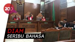 Sidang Kasus Narkoba, Eks Kapolsek Kebayoran Baru Hindari Wartawan