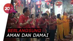 Kemeriahan Imlek di Klenteng Tjoe Tik Kiong