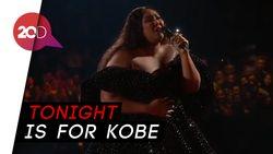 Lizzo Dedikasikan Penampilannya di Grammy untuk Kobe Bryant