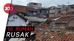 Puting Beliung Terjang Sukabumi, Genting-Genting Rumah Warga Terbang