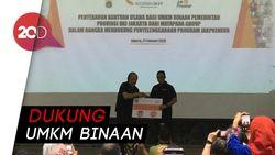 Dato Sri Tahir Sumbang Ratusan Gerobak ke Pemprov DKI