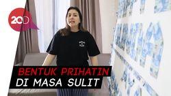 Suami Beri Kado Uang, Tya Ariestya Donasikan ke Driver Ojol