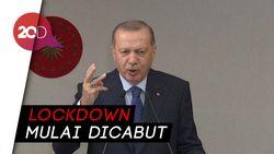 Turki Mulai Era New Normal Pada 1 Juni