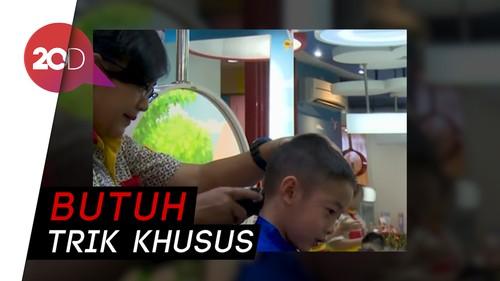 Tips Potong Rambut Anak Tanpa Rewel
