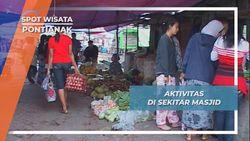 Aktivitas Pasar Sekitar Masjid Jami Sultan Syarif Abdurrahman