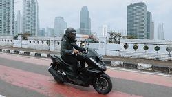 Jajal PCX 160 di Jalanan Jakarta