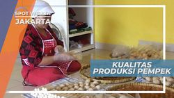 Membuat Pempek Jakarta Dengan Pemasak Handal dari Palembang