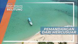 Pemandangan Laut dan Pulau yang Indah Dari Atas Mercusuar, Belitung