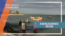 Menarik Jala, Membantu Nelayan Menjaring Ikan di Gili Keramat Sumbawa