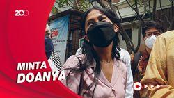 Hadiri Sidang Perdana, Tyna Kanna Ogah Banyak Berkomentar