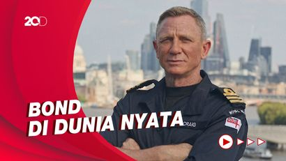 Daniel Craig Jadi Komandan Kehormatan Angkatan Laut Kerajaan Inggris