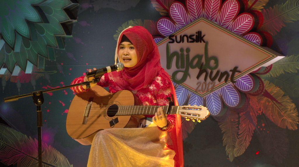 23 Besar Sunsilk Hijab Hunt 2017 Medan -  Putri Athirah
