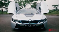 Menjajal BMW i8 di Jalanan Jakarta