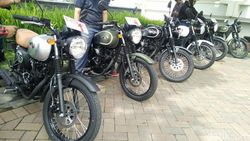 Brum! Jajal Kebolehan Motor Retro Sport Kawasaki W175