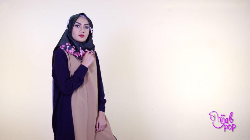 Tutorial: Hijab Satin Motif Segi Empat