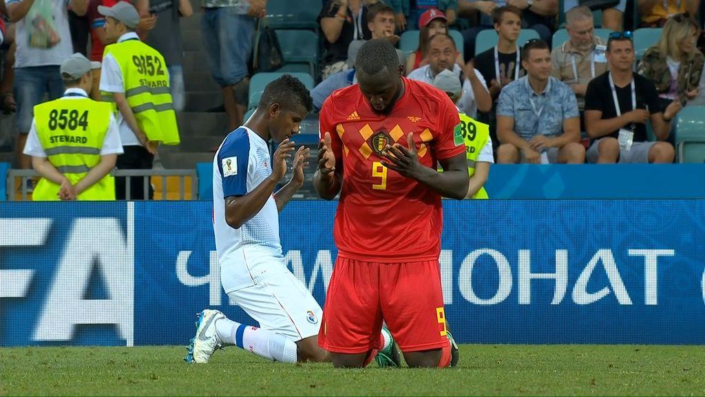 Saat Lukaku Panjatkan Syukur di Kemenangan Belgia
