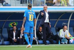 Ketika Tite Tersungkur Rayakan Gol Coutinho