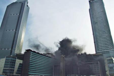 Grand Indonesia Terbakar, Bundaran HI Macet