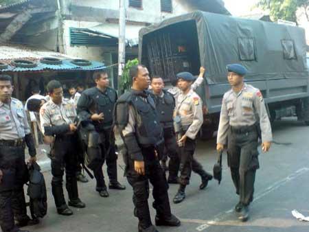 Polisi Tinggalkan Markas FPI