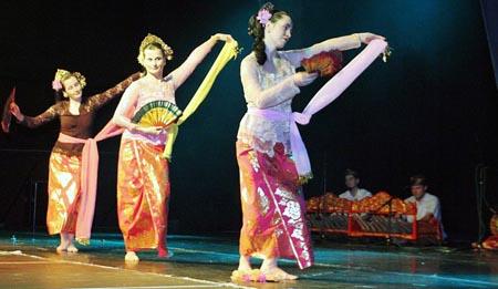 Festival Tari Asia dan Timur Tengah
