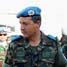 Jenderal Casimiro Sanjuan Martinez mendapatkan penjelasan dari Dansatgas POM TNI Letnan Kolonel Cpm Ujang Martenis tentang perlengkapan khusus (alkapsus) yang dimiliki Satgas POM TNI. (Lettu Sus M. Soleh, S.IK).