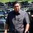 Presiden SBY berkeliling kompleks PT DI sambil berdiri di atas panser. Dudi Anung/Setpres.