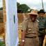 Wakil Gubernur HM Syamlan, Kapolda Bengkulu Brigjend Pol Ruslan Riza beserta Walikota Bengkulu mengecek hasil tembakan. (Nugroho Tri Putra).