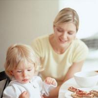 Bagaimana Mengatasi Anak yang Susah Makan?
