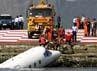 Pesawat Air Lear jet jatuh di teluk Rio de Janeiro. Reuters/Sergio Moraes.