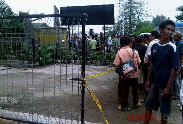 Bom Rakitan Meledak di Kalimalang