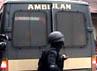 Mobil ambulans milik Kedokteran dan Kesehatan (Dokkes) Polda Sumut yang membawa tersangka, tiba sekitar pukul 18.00 WIB.
