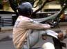 Selain membahayakan diri sendiri, aksi ini juga membahayakan keselamatan pengguna jalan lain.
