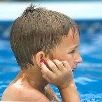 Jangan Anggap Sepele Air yang Masuk Telinga Saat Berenang