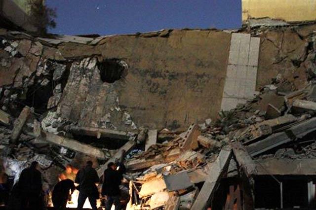 Kompleks Rumah Khadafi Dibom