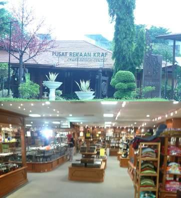 Belanja Oleh-oleh Khas Malaysia di Karyaneka