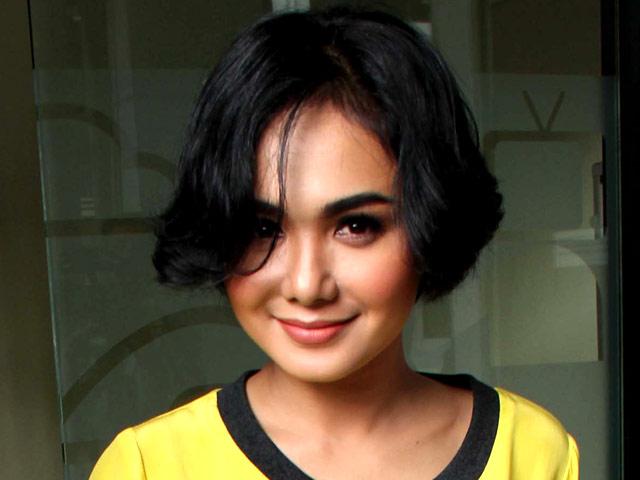 Yuni Shara Bosan Dengan Rambut Pendek