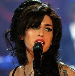 Kematian Amy Winehouse Bukan Karena Obat Terlarang