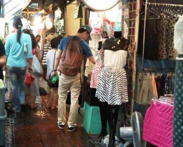 4 Pasar di Bangkok yang Wajib Dikunjungi