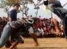 Biasanya ritual ini diadakan pada hari jumat dan biasanya setelah 3 kali hari jumat dan ada peserta yang terluka serta keluar darahnya biasanya akan turun hujan.