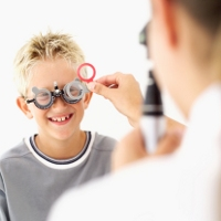 Penyumbatan Saluran Air Mata Tingkatkan Risiko Mata Malas