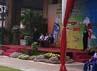 Upacara pengibaran bendera dimulai dengan pemberian sambutan oleh Deputi Gubernur Bidang Transportasi Industri dan Perdagangan Pemprov DKI Jakarta Sutanto Soedho. Suci Dian Firani/detikcom.