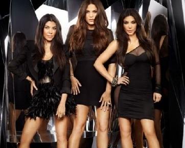 Khloe Bukan Adik Kandung Kim Kardashian