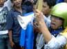 Dalam aksinya, para pendemo mengancam akan menurunkan SBY-Boediono jika harga BBM tetap dinaikkan.