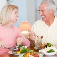 Nutrisi yang Diperlukan Orang Tua