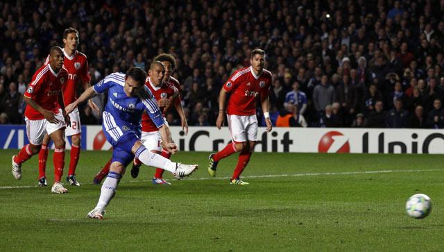 Bekuk Benfica, Chelsea ke Semifinal