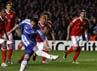 Chelsea memimpin 1-0 lewat penalti Frank Lampard. REUTERS/Stefan Wermuth.